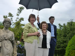 Outgoing Trust Chairperson Claire Winfrey at our Open gardens 2011